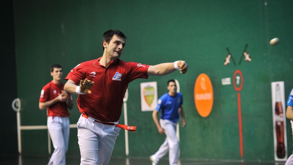 Elezkano y Rezusta sumaron en Bilbao una nueva victoria