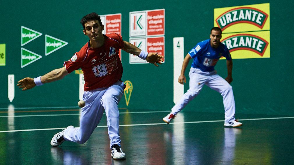 El guipuzcoano Jokin Altuna y el navarro Oinatz Bengoetxea se miden en semifinales del Campeonato del Cuatro y Medio