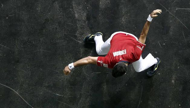 Joseba Ezkurdia, en una imagen cenital durante un partido anterior, ganó este viernes en Legutiano