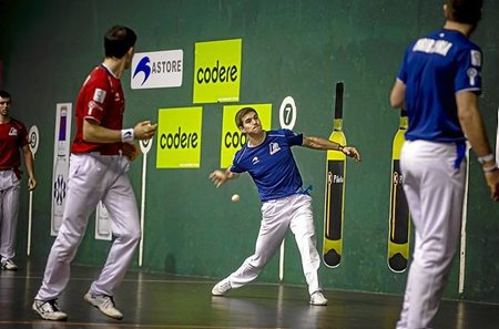 Altuna e Irribarria en el partido de ida del Parejas 2018