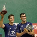 José Javier Zabaleta, con el trofeo Diario de Navarra al mejor pelotari de la feria