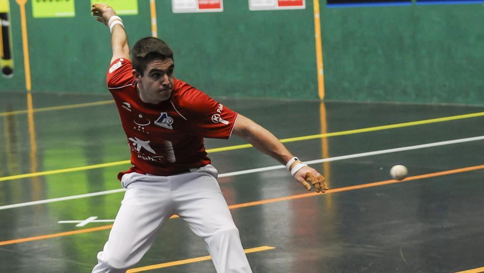 Iker Irribarria, el mejor del partido de Lekeitio
