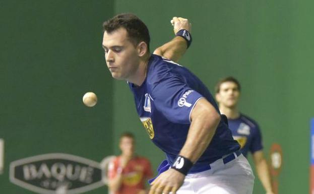 Jaka, en una imagen de archivo, a punto de golpear la pelota