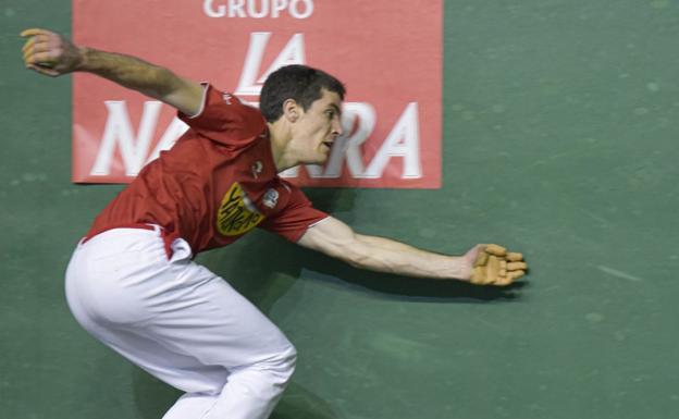 Beñat Rezusta, en un partido reciente del Campeonato de Parejas en el Beotibar de Tolosa