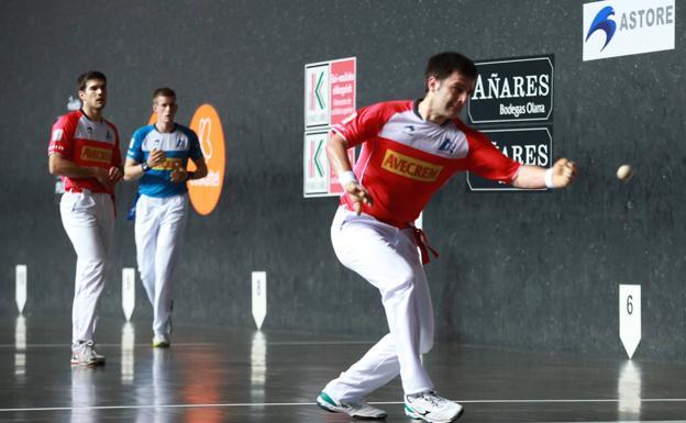 Danel Elezkano firmó quince tantos de jugada en Labastida, donde volvió a parecerse más a sí mismo.