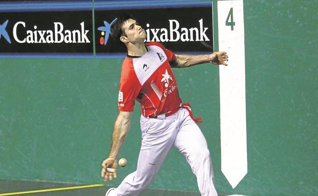 José Javier Zabaleta soltó derechazos descomunales ayer en el Labrit